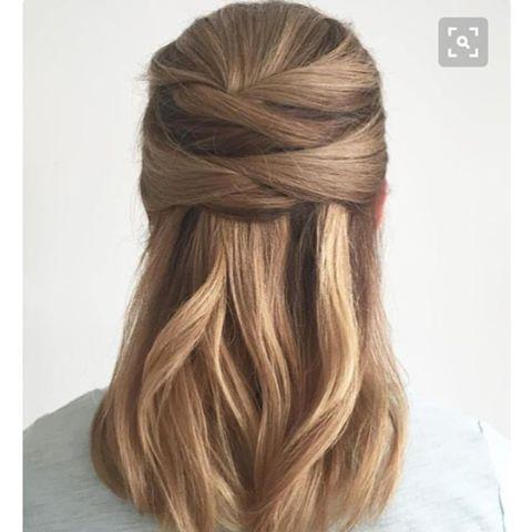 ����♀️�������������� #saç #hair #styleblogger #style #stil #tarz #moda #fashion #cool #hairstyle #hairstyles #saçmodelleri #dalgalı #wavyhair #knitting #örgü #topuz #mezuniyet #graduation #prom #pinterest #fikir #idea http://turkrazzi.com/ipost/1524905731190845889/?code=BUpja7nlnHB