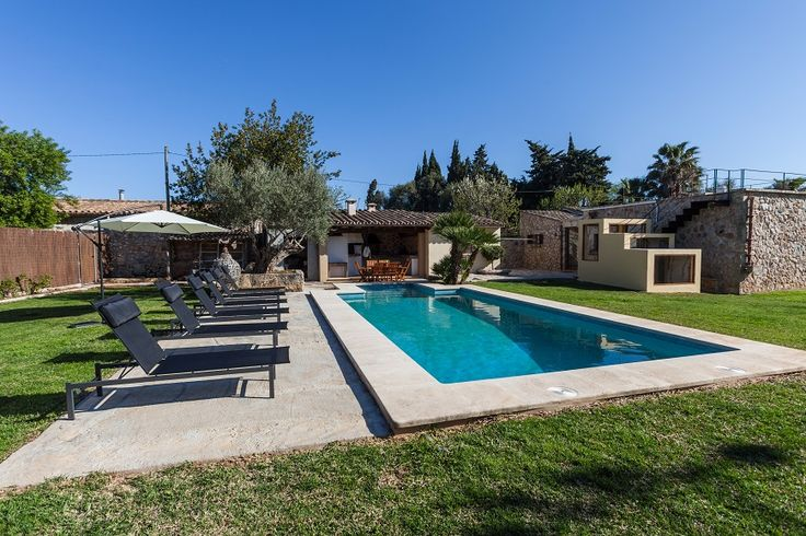 VILLA EU MADRAVET is a charming traditional villa conveniently located between the historic old town of Pollensa and the beach and resorts of Puerto Pollensa and Cala St Vicente. The villa is furnished in the typical Mallorcan style with traditional stone floors and wooden beams.