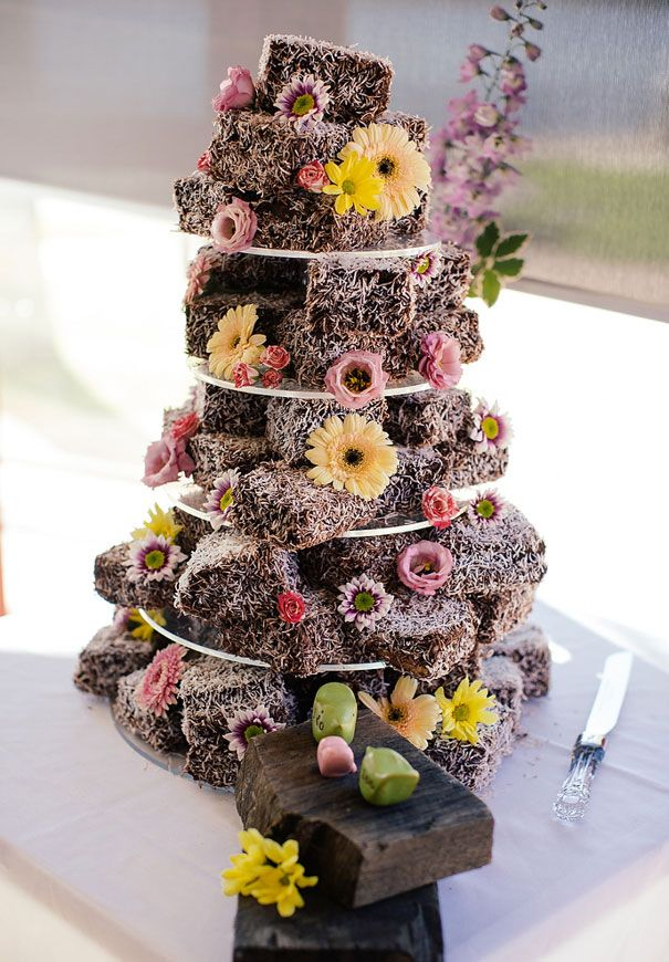 lammington-wedding-cake-lawn-bowls-bowling-club-wedding-reception-bare-foot-retro-bride