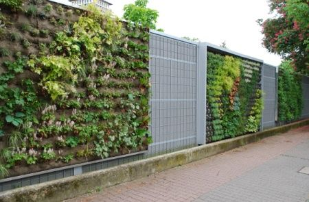 Die besten 17 ideen zu l rmschutzwand garten auf pinterest sichtschutzwand holz outdoor bar - Gartengestaltung frankfurt ...