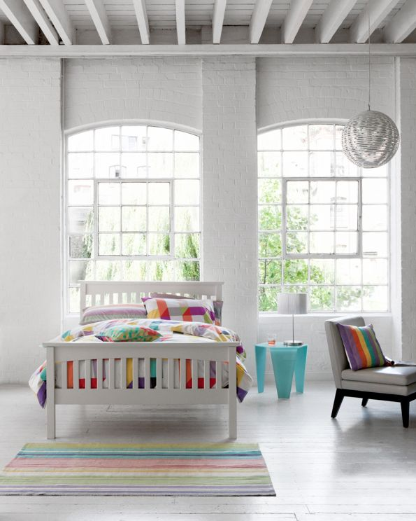 white walls vs stickers everywhere...: Window, Open Spaces, Guest Bedrooms, Loft Bedrooms, Rainbows Colors, White Rooms, White Interiors, Bedrooms Inspiration, White Wall
