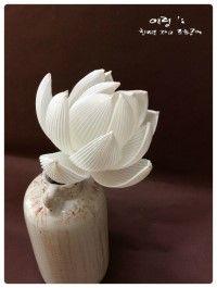 주문제작 신구대학교 의뢰 (COEX  전시작) 한지 연꽃                                                      lotus of Korean Paper,Hanji Flower (Requested by Shingu University)                    #조화공예 #종이꽃 #페이퍼플라워 #한지꽃 #아트플라워 #조화 #조화인테리어 #인테리어조화 #인테리어소품 #에바폼 #디퓨저 #주문제작 #수강문의 #광고소품 #촬영소품 #디스플레이 #artflower #koreanpaperart #hanjiflower #paperflowers #craft #paperart #handmade #연꽃
