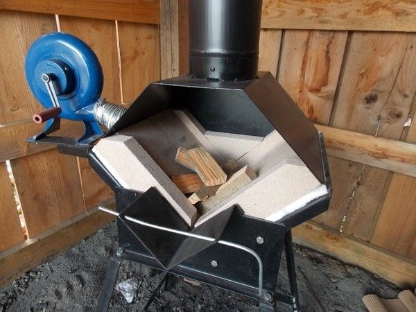 Whitlox Wood-Fired Mini Forge with blower