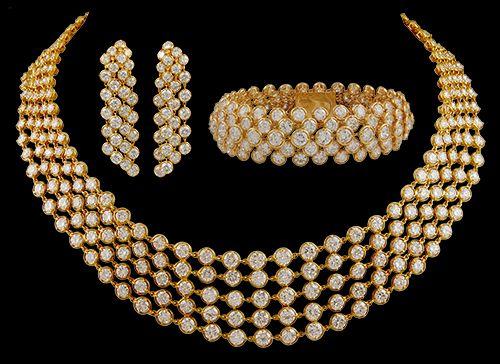 Van Cleef & Arpels 18kt. Gold Diamond