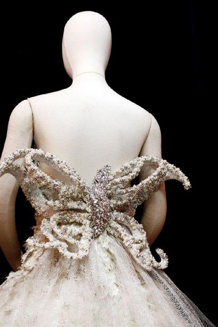 Невероятные платья филиппинского дизайнера Mak Tumang - Ярмарка Мастеров…