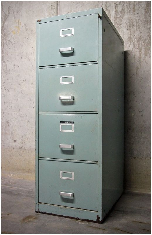 Metalen industriële archiefkast Blerk | Nieuw binnen! | Maison Patine