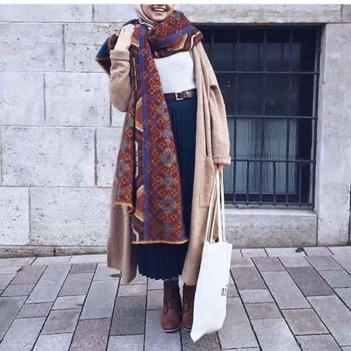long-trench-coat-winter-hijab- Winter hijab fashion outfits http://www.justtrendygirls.com/winter-hijab-fashion-outfits/