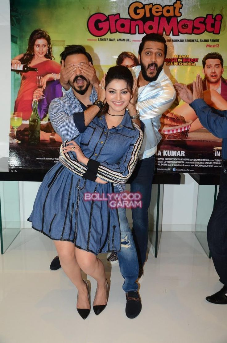 Urvashi along with Vivek Oberoi and Rietesh Deshmukh during the promotions of Great Grand Masti