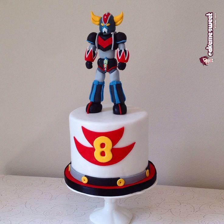 Goldrake ufo robot birthday cake by Cakemesweet di Naike Lanza  Www.cakemesweet.com