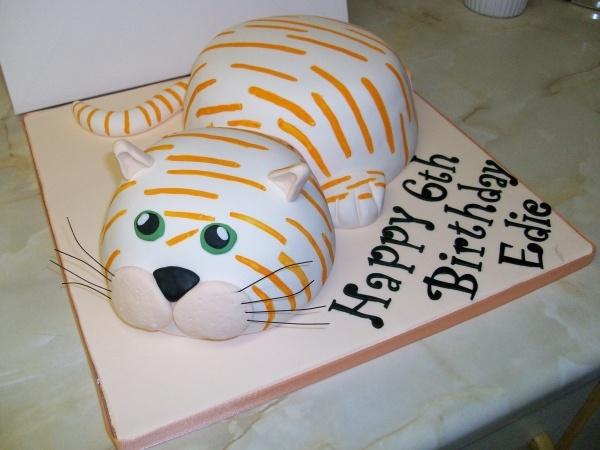 Cat cake -