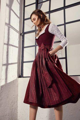 86d5d6d5acd1 Herbstdirndl weinrot mit weißer Spitzenbluse,, CocoVero   Trachtenmode  stylish in 2018   Pinterest   Dirndl, Cherry red und Lederhosen