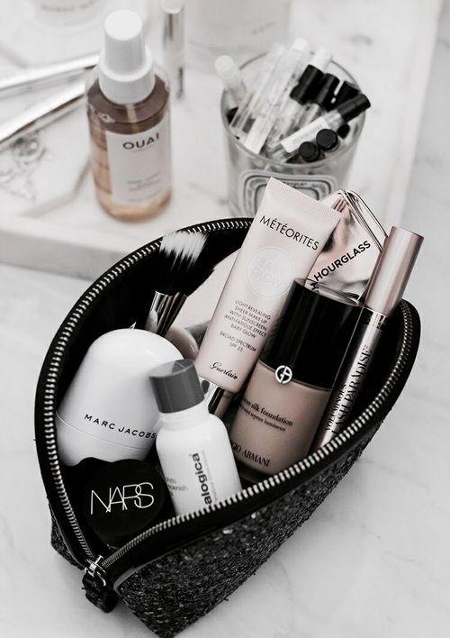 Was ist in meiner Beauty Bag?   Meine Lieblings Beauty-Prdoukte! Nars Blush, Marc jacobs, Zoeva Pinsel und Haaröl von Ouai