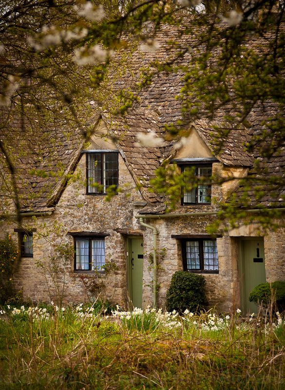 wanderthewood: Arlington Row - Bibury, Gloucestershire, England by R.Price on Flickr