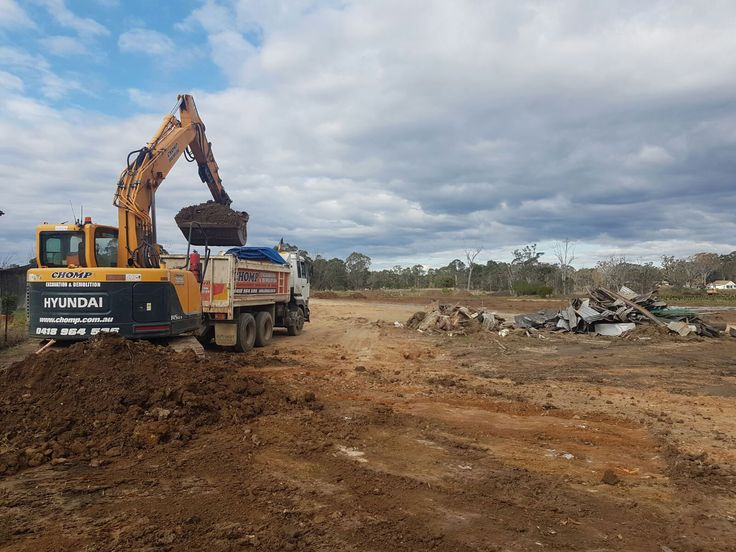 Want to clear your land for new workplace in Sydney? Contact us 0418 964 596. http://chomp.com.au/land-clearing-and-landfill-sydney/