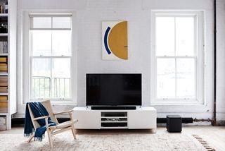 Leg de lat voor geluid hoger met een Bose SoundTouch 300 soundbar system. Onze slanke, draadloze soundbar is de stijlvolle audio-oplossing voor home entertainment.