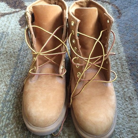 Classic timbs for trade! ISO this exact boot or black sued in a Ladies size 7. Looking to trade these size 7.5! Comment lemme know what you have. Timberland Shoes Ankle Boots & Booties