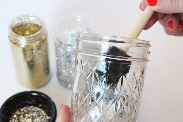 DIY tea lights | DIY candles | DIY mason jar centerpiece | glitter candles | glitter tea lights | easy DIY projects | easy DIY ideas | mason jar centerpiece | shabby chic | country glam | wedding ideas | sparkly mason jar candles | DIY mason jar tea lights | DIY mason jar glitter candles