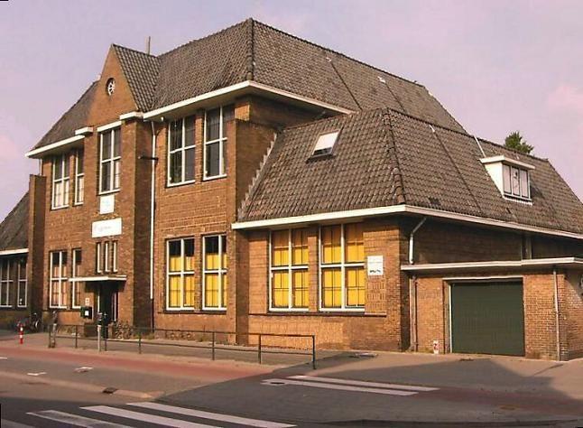 Rehobothschool aan de Neuweg in Hilversum