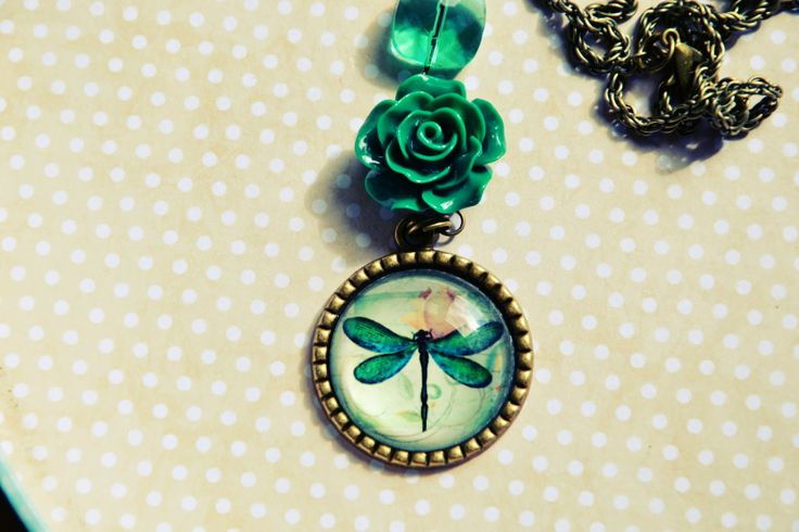 Pendant dragonfly