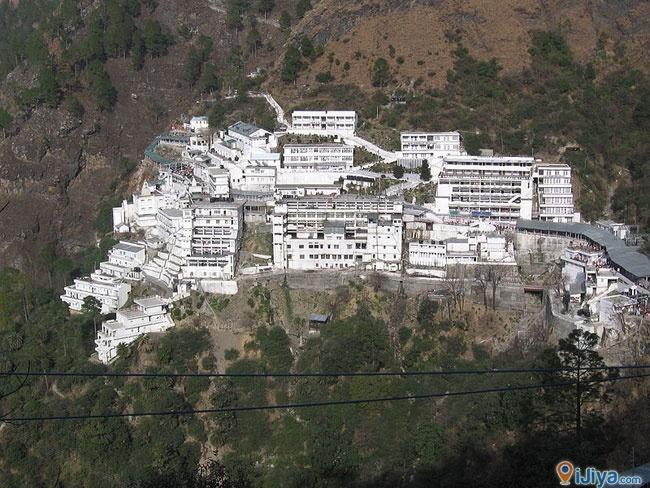 Vaishno Devi Mandir, India  ** The second most visited religious shrine in India.   @ http://ijiya.com/8236961