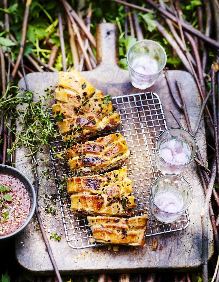 Vous aimez la ricotta ? Vous adorez les épinards ? Ce mélange savoureux vous laissera sans voix et fera plaisir à vos convives à l'heure tant attendue de l'apéro ! Pourquoi ne pas tester la recette chez vous ? Inrat...