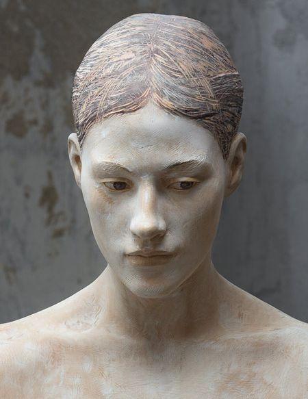 Bruno Walpoth wood sculpture//