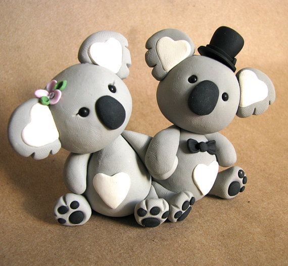Koala cake toppers!! I would never do this, but they are so cute!!