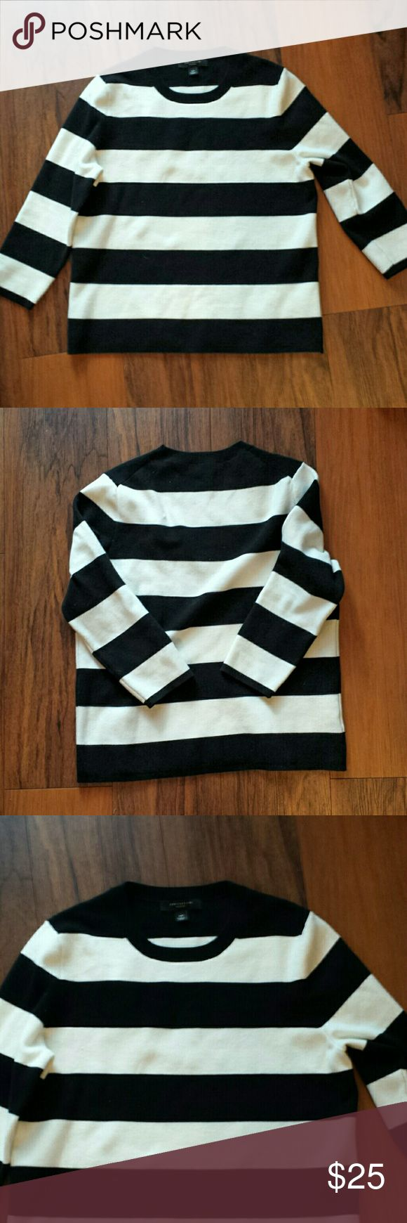 Anne Taylor 3/4th sleeve striped sweater NWOT. never worn out, only tried on when I received it from Ann Taylor online. Very cute. Mint condition. Anne Taylor  Sweaters