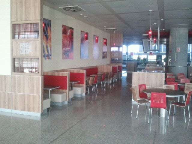 Iluminaci N Led En El Restaurante Burger King Del