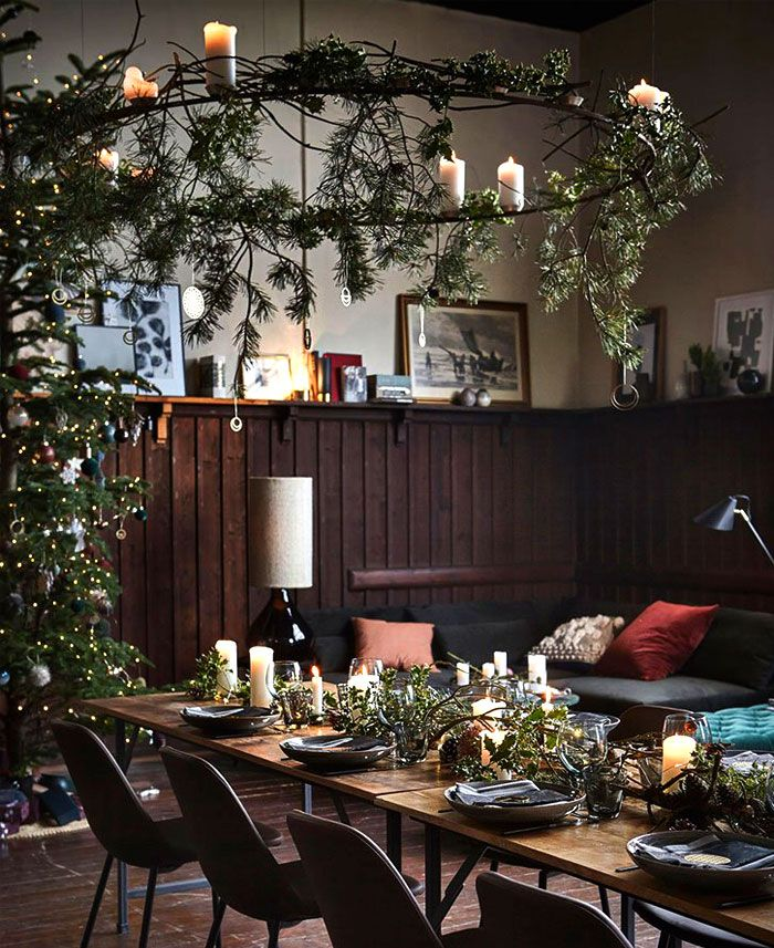 Christmas Decorating Trends 2019 2020 Colors Designs And Ideas Christmas Table Decorations Christmas Interiors Trending Decor