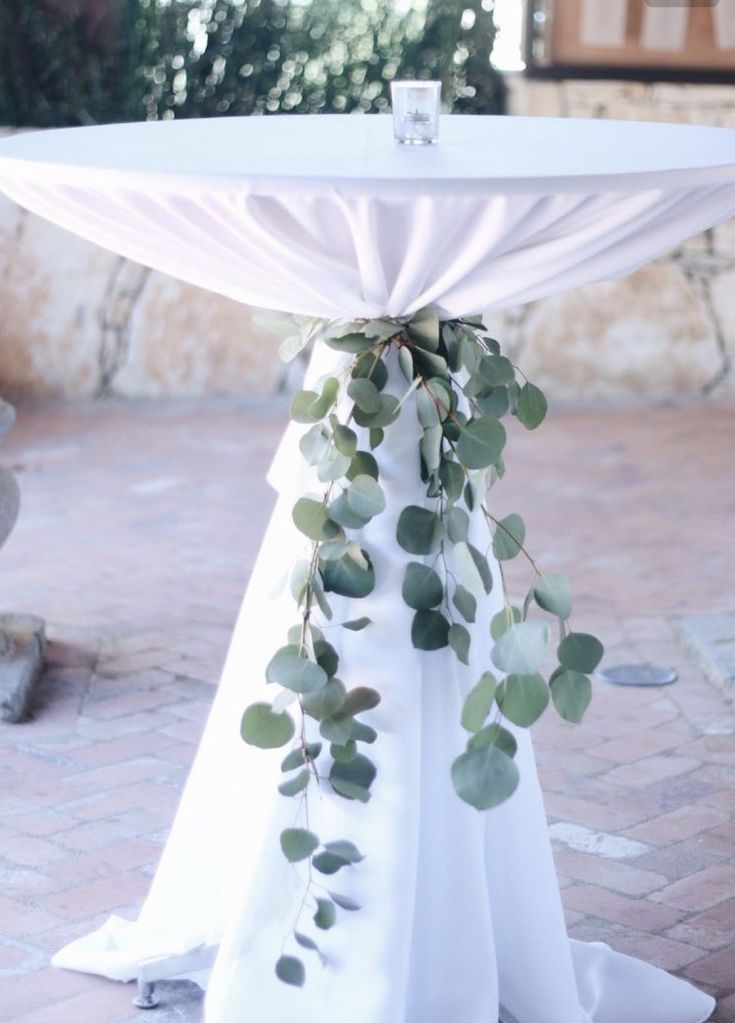 Cocktail-Stehtische Wir können Ihnen bei der Bestellung von Bettwäsche behilflich sein. Unsere Stehtische …   – wedding