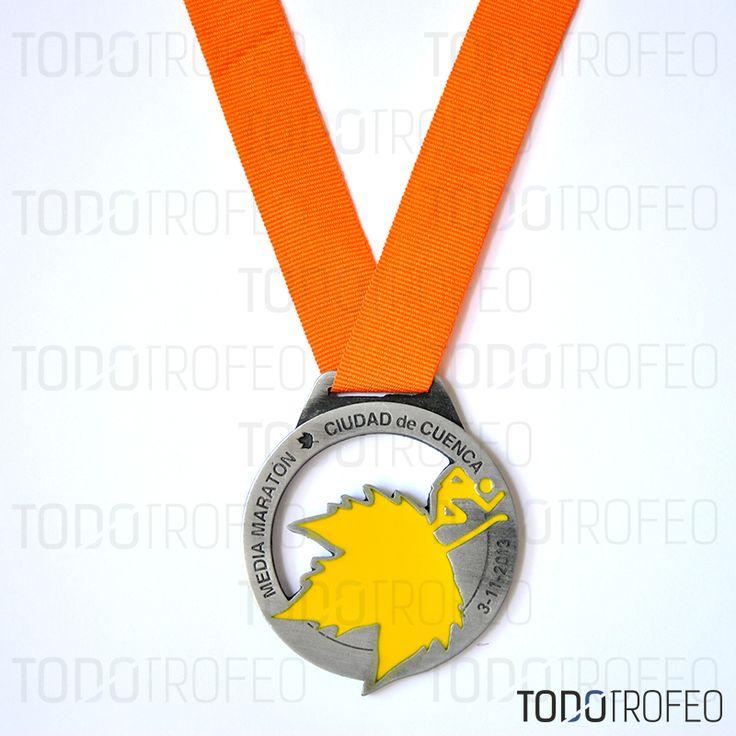 MEDALLA MEDIO MARATÓN DE CUENCA 2013. Diseñamos las medallas para su evento deportivo. Pide su presupuesto a través de: todotrofeo@todotrofeo.com CUENCA HALF MARATHON MEDAL 2013. We design your sport event medals. Request your budget in: todotrofeo@todotrofeo.com