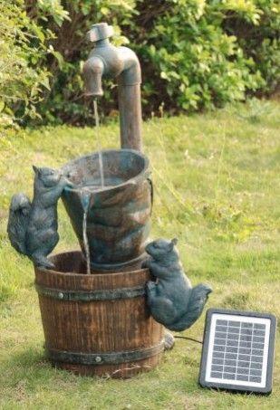Fontaine d 39 ext rieur solaire robinet et ecureuils for Pompe fontaine exterieur