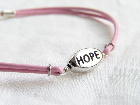 10月は、Breast Cancer Awareness Month。乳がん検診の早期受診を推進する、世界規模の「乳がん啓発キャンペーン」月間です。このブレス...|ハンドメイド、手作り、手仕事品の通販・販売・購入ならCreema。