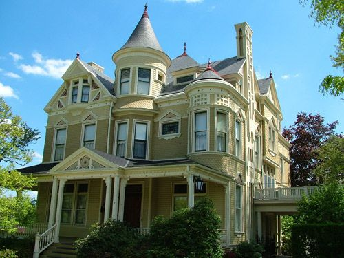 Pittsburgh Victorian House by VisitPittsburgh, via Flickr