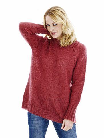 Stickbeskrivning tillsnygg finstickad tröja.DesignerHanne BendixStorlek:S (M) L (XL)Modellens övervidd:106(116) 126(136) cmLängd färdigmodell:68 (70) 72 (74) cmGarn:Mohair + Wool från ONIONKnitGarnåtgång:6(7) 7(8) nystan à 50 g modellen är stickad ifg324 MarsalaVägledande stickor:Raka sticko...