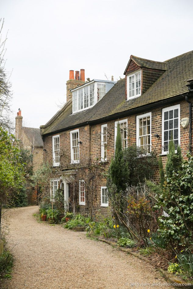 Houses in Chiswick, London: London walks