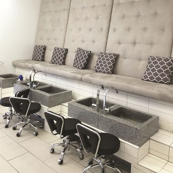 Nail Bar: 71 Best Contemporary Pedicure Chairs & Beauty Salon Ideas