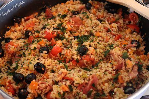 Un piatto ipocalorico, ricco di vitamine, proteine e Gluten Free, tanto colorato da mettere il buonumore: Quinoa con le verdure!  Venite a leggere come si prepara!  Suggeritemi altre ricette! Vi aspetto su angolodimartalu.blogspot.it