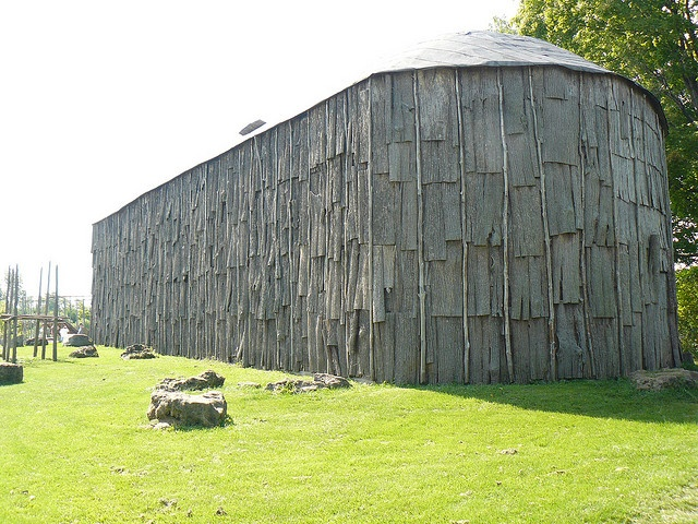 Traditional First Nation Indian Longhouse by Canadian Pacific, via Flickr