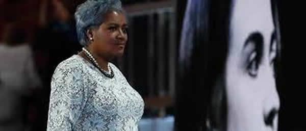 More damaging emails surface from the Clinton camp…this time, it's the economy stupid. From Hannity The latest Wikileak email comes from interim DNC Chairwoman and media darling Donna Brazile…