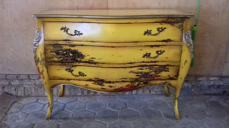 antique yellow three drawers