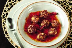 Polpette di fagioli rossi in salsa piccante