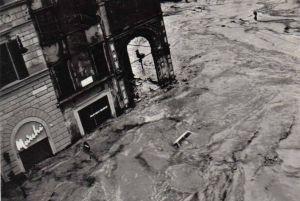 FIRENZE DEVASTATA 1966 - C O N O S C E R E - Loggia del Bigallo alluvione 4 novembre 1966