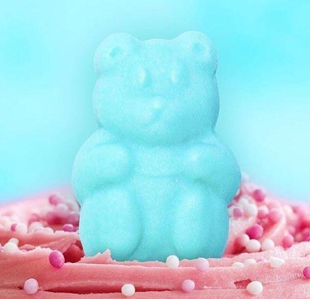 uca sugar bears celebrate - 640×617
