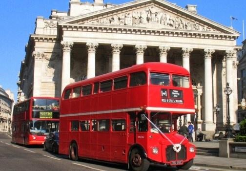La guida di Londra: i luoghi da visitare, tra musei e monumenti, le mete dello shopping, tra saldi e grandi magazzini e i locali e i ristoranti della capitale inglese. http://www.marcopolo.tv/regno-unito/londra-guida
