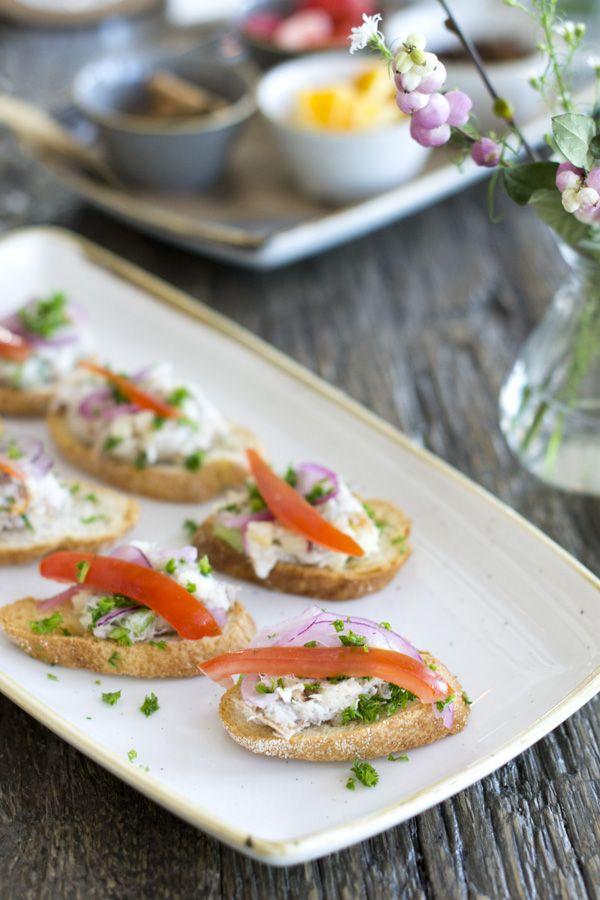 Crostini met makreel - lekker hapje | via BrendaKookt.nl