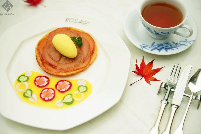 香り高い紅茶とともに、冷たさと温かさ両方の甘みが楽しめる