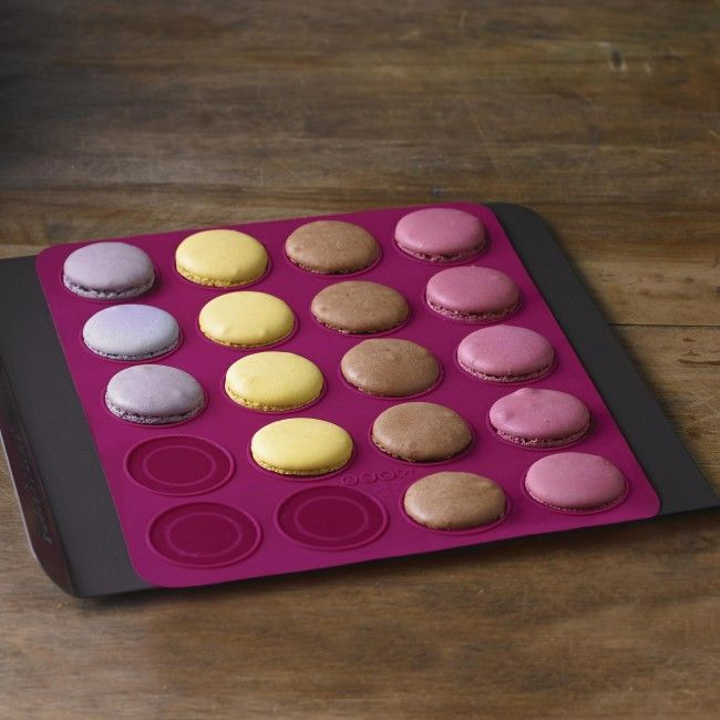 Make perfectly shaped macarons while protecting your cookie sheet with this macaron baking mat.