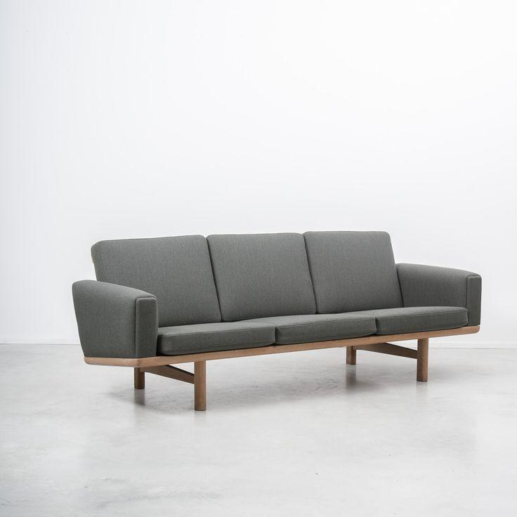 Hans J Wegner GE236/3 Sofa, Getama